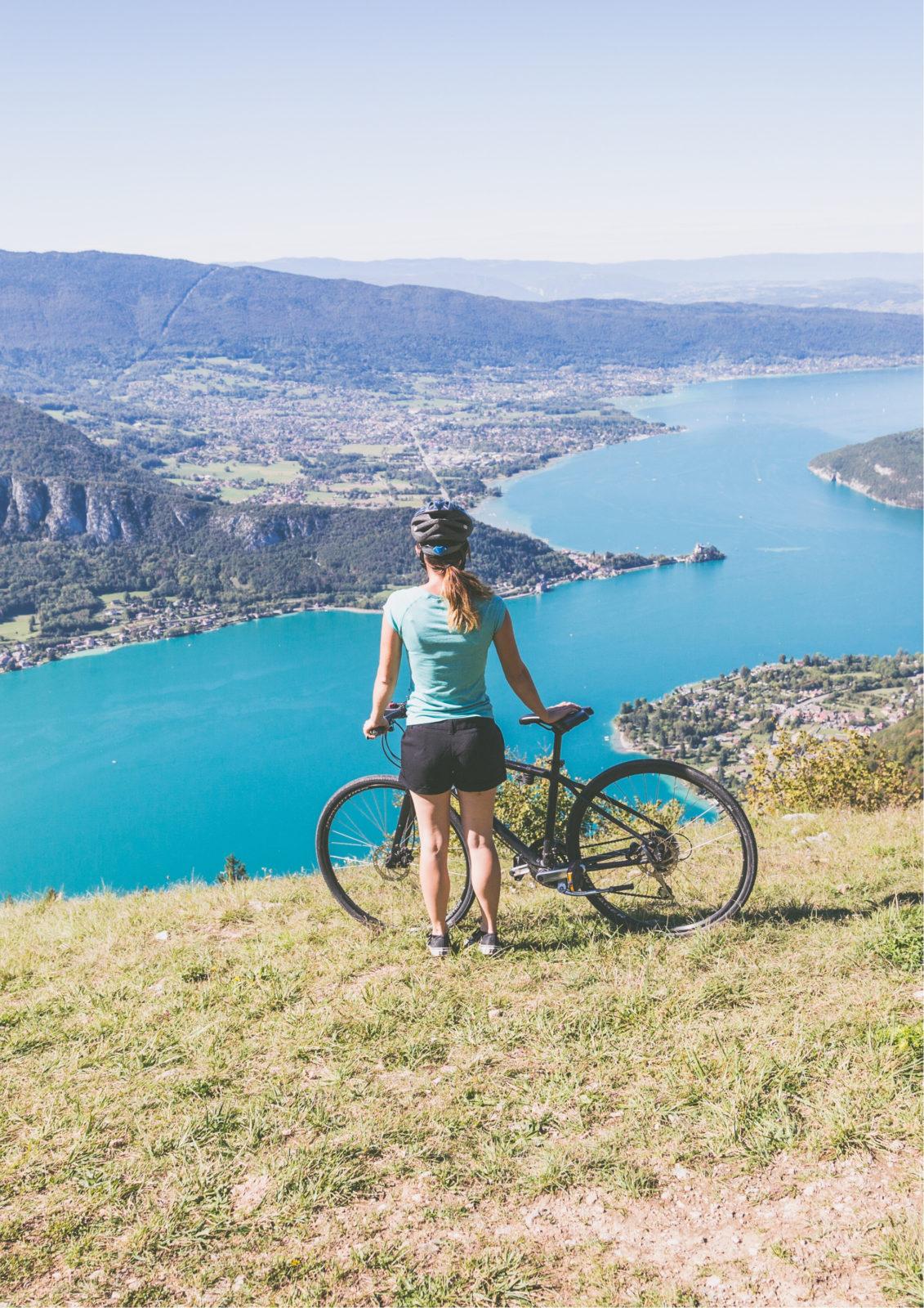 Vélo cycliste Col de la Forclaz Annecy - Accueil Location Nomad Bike